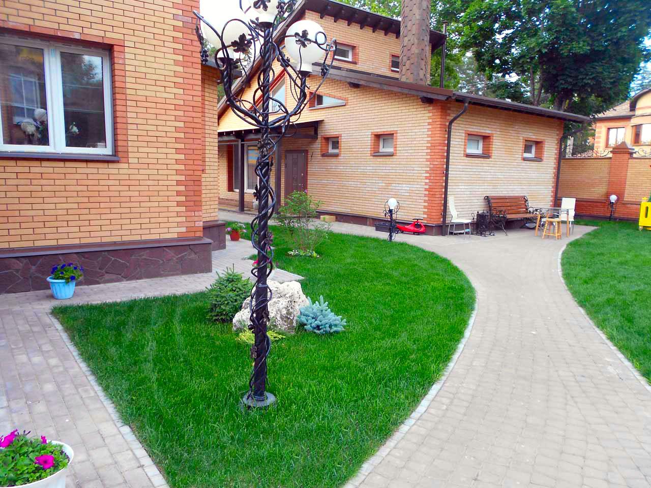 Ландшафтный дизайн Ижевск, Системы полива, Рулонный газон, Озеленение, Благоустройство Ижевск, Ландшафтный проект